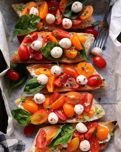 Baked baguette slices!