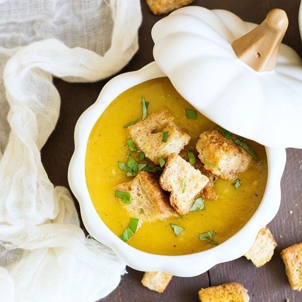 Roasted Acorn Squash Soup