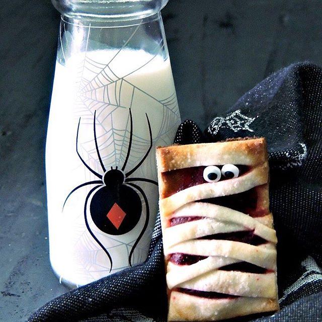 Mummy Cheesecake Cookies