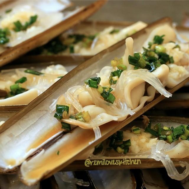 Garlic Razor Clams