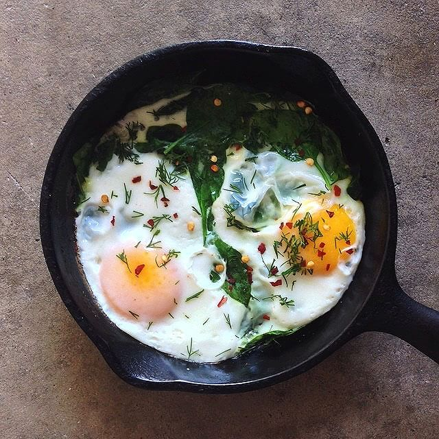 Spinach & Eggs With Dill & Red Pepper Flakes