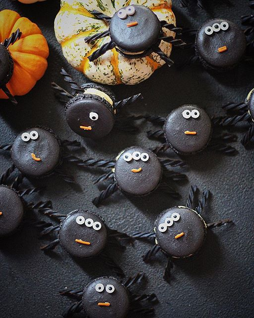 Dark Chocolate Spider Macarons With Pumpkin Cardamom Filling