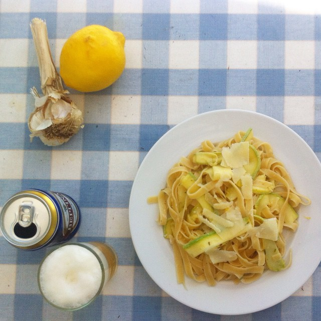 Lemon Garlic Pasta With Zucchini
