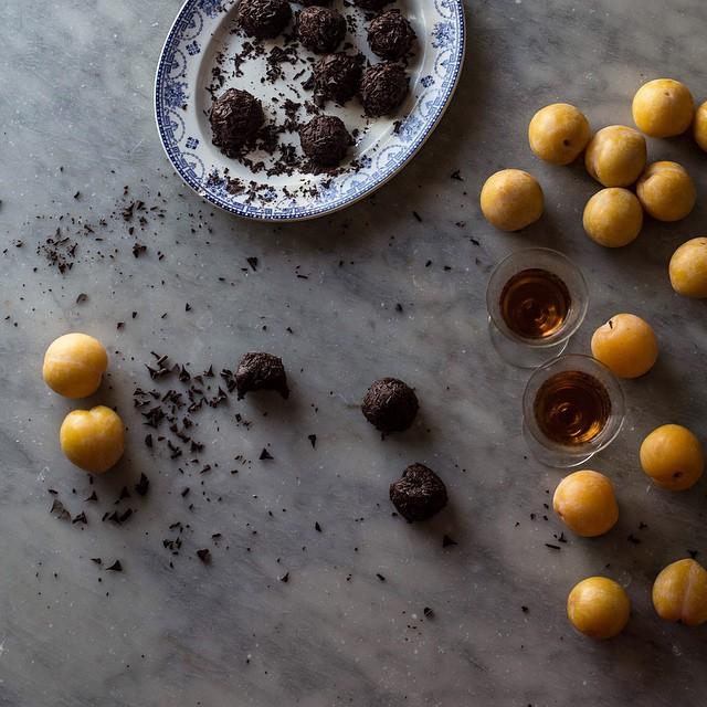 Puncetti (chocolate, Almond, & Rum Truffles)