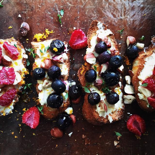 Bery Ricotta Toast