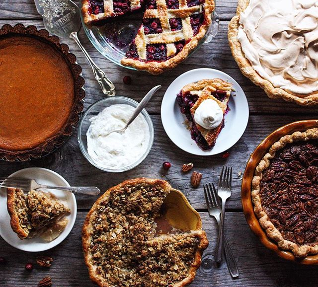 Holiday Pie Table