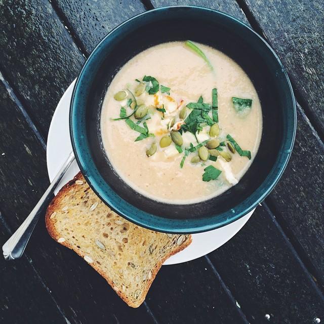 Roast Cauliflower Soup