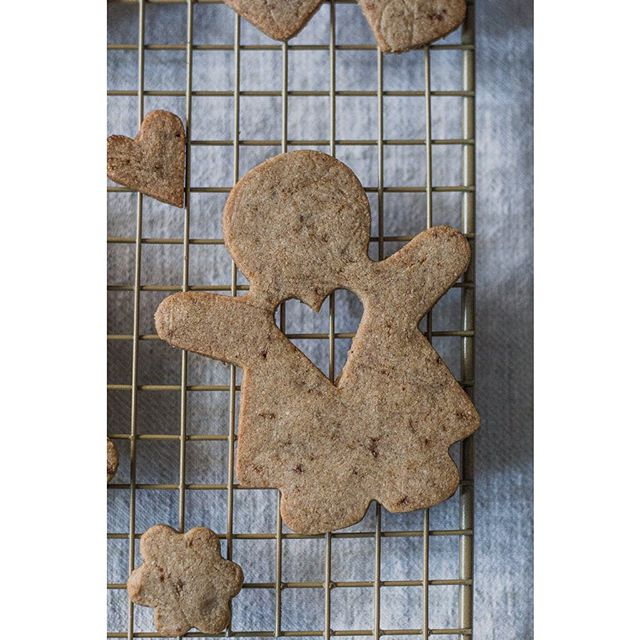 I get to share with you my Christmas Tea Cookies.  You heard it right.  These have tea baked into…