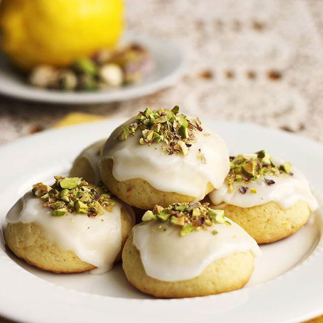 Italian Iced Lemon Cookies