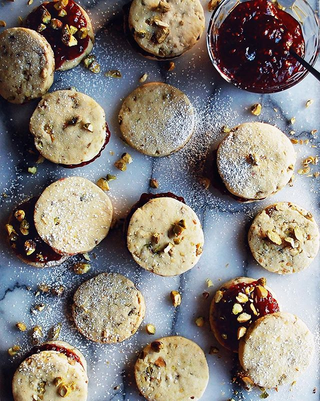 Cookie season is here!! I've got so many good holiday treats...starting with these raspberry…