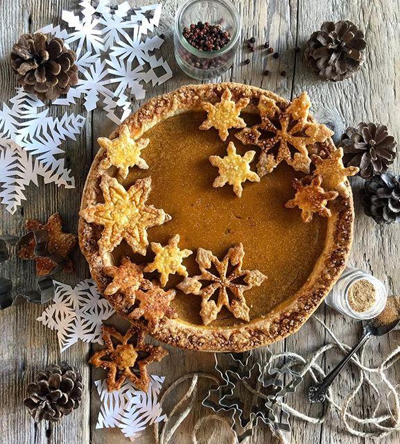 Spiced Pumpkin Pie With Decorative Crust