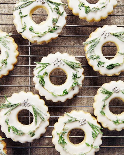 Frosted Wreath Cookies With Lemon Glaze
