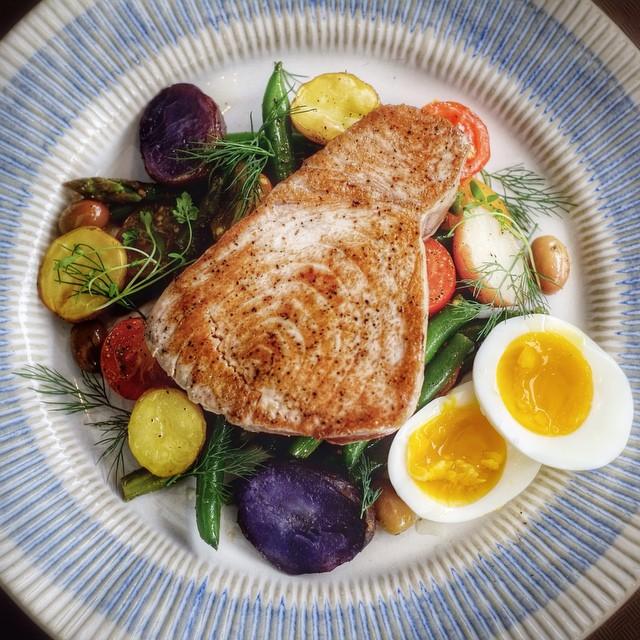 Tuna Nicoise With Roasted New Potatoes & Seasonal Vegetables
