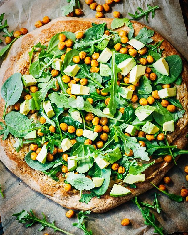 Roasted Chickpea, Cashew Cheese And Arugula Pizza