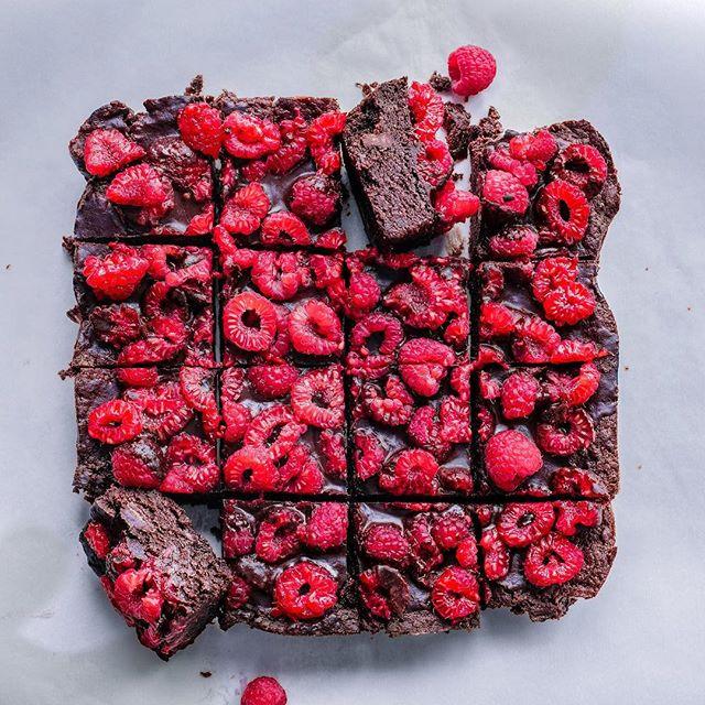 Dark Chocolate Brownies With Raspberries