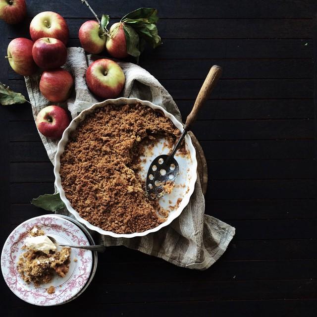 Chai Spiced Apple Crumble