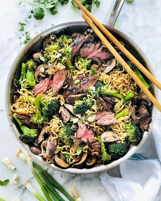 Marinated Steak, Mushrooms And Broccoli With Ramen Noodles