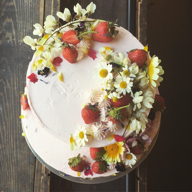 Clean Strawberry Cake
