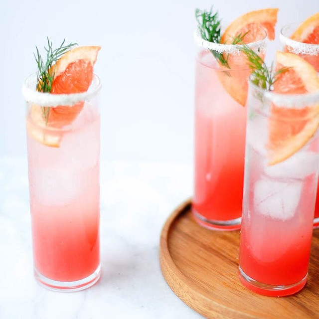 Grapefruit Fennel Fizz With Rosemary Salt