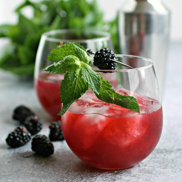 Blackberry & Mint Gin Cocktails