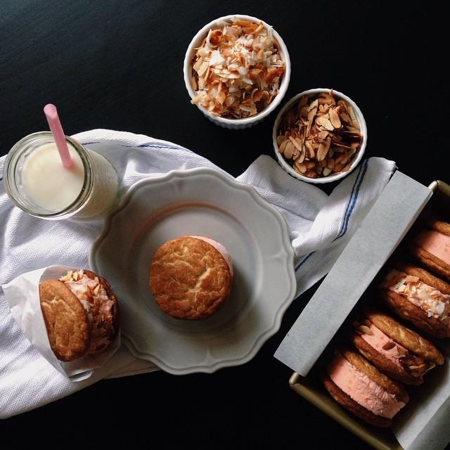 Snickerdoodle Peach Ice Cream Sandwiches