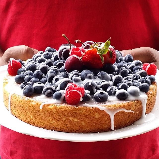Fresh Blueberry And Lemon Yogurt  Cake