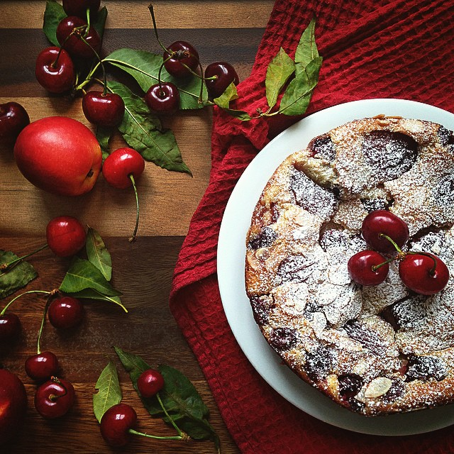 Just made my first clafoutis with cherries and nectarines. No idea why I haven't tried making this…