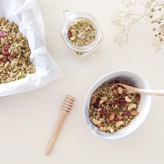 Nutty Apple Juice Granola