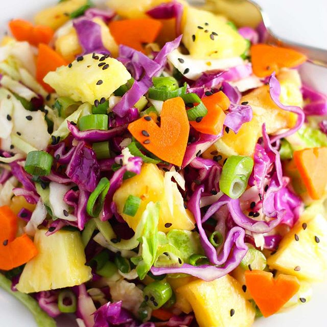 Hawaiian Slaw With Green & Red Cabbage, Carrots, Pineapple & Onion