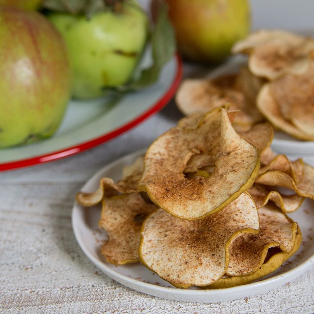 Baked Cinnamon Spice Apple Chips