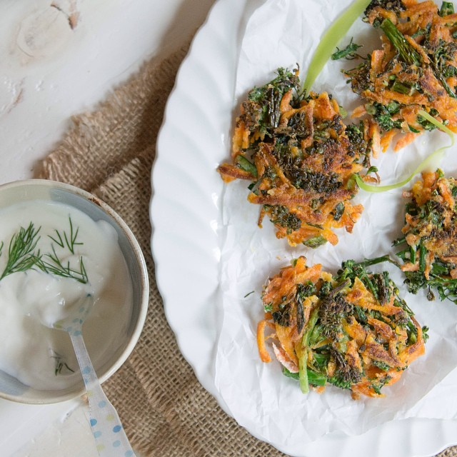 Cannot stop snacking on these! Crispy carrot & broccolini fritters with a yogurt dill sauce.  Trying…