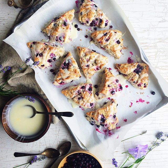 Huckleberry & Vanilla Bean Scones