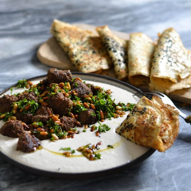 Sweet Spiced Meatballs With Bean Hummus & Turkish Flatbread