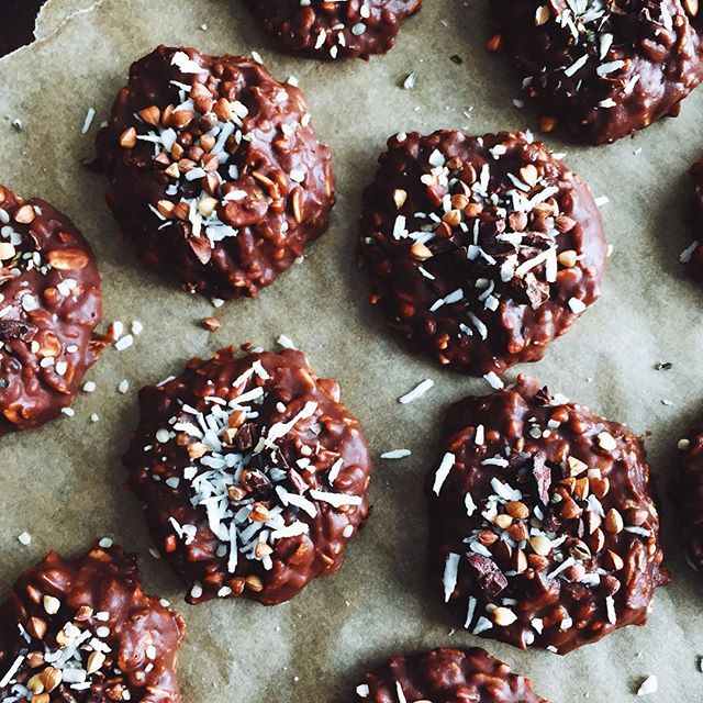 Because it's too damn hot to bake: no bake cookies, on repeat. I fancied these up with some kasha…