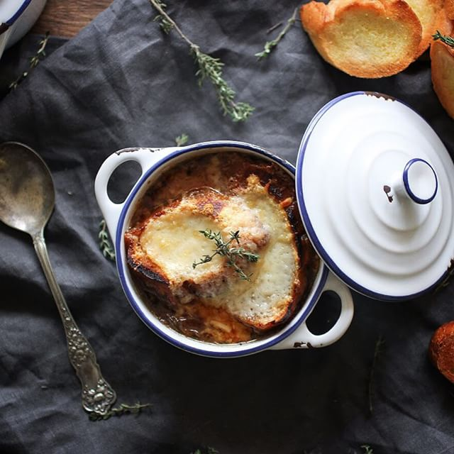 Classic French Onion Soup With Crispy Croutons & Gruyere