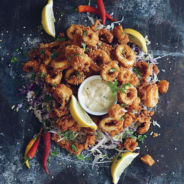 Fried Calamari With Lemon Aioli