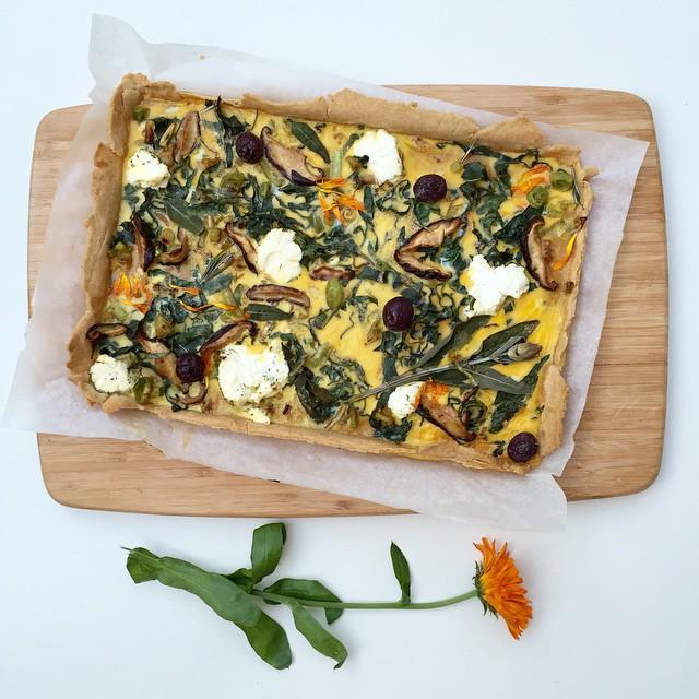 Pizza Tart With Leeks, Shiitake Mushrooms, Cheese & Herbs