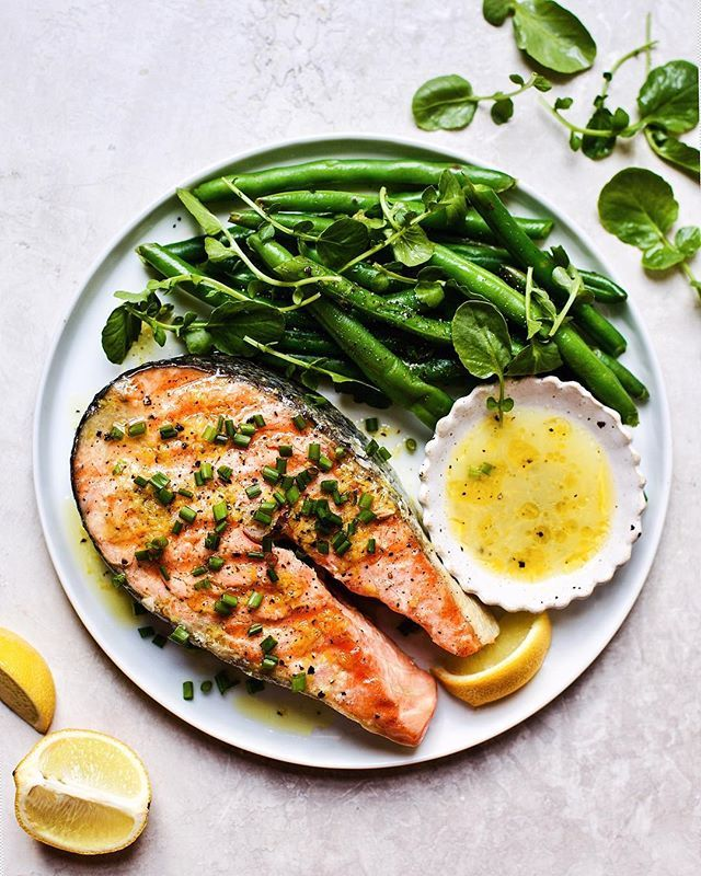 Seared Salmon Steak with Wasabi Lemon Vinaigrette and Steamed Haricot Verts