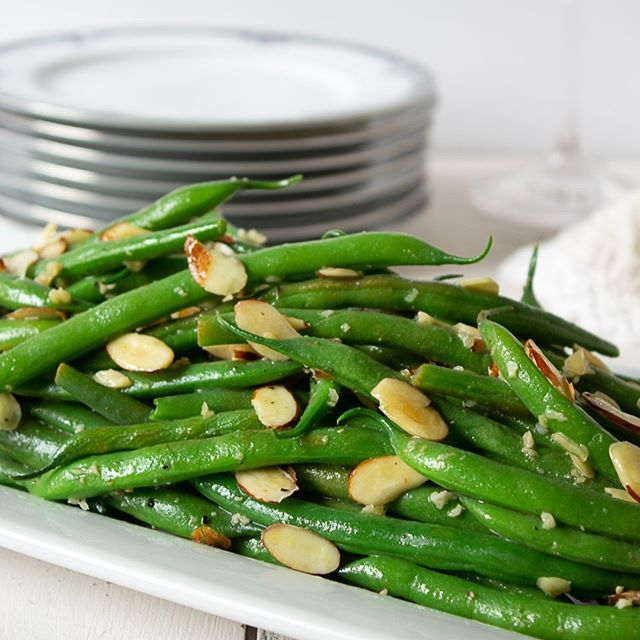 Sautéed Green Beans with Almonds and Garlic
