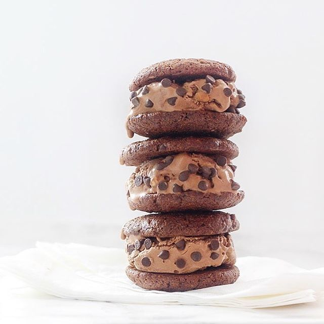 Chocolate Ice Cream Sandwich Cookies