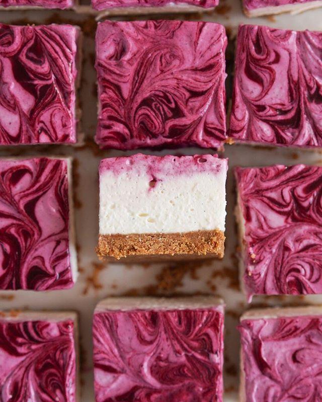 No Bake Mixed Berry Cheesecake Bars