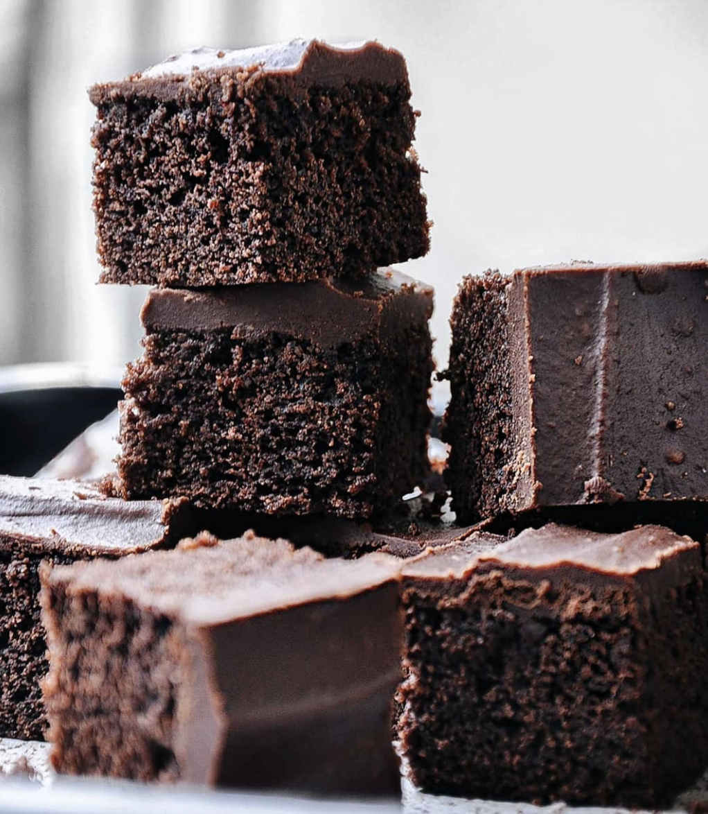 Chocolate and Peanut Butter Cakey Brownies