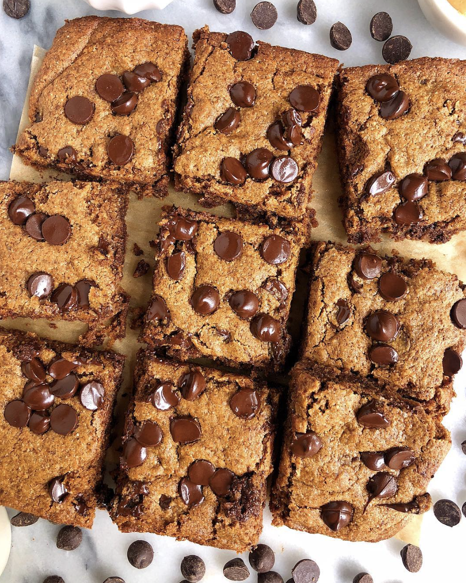 Peanut Butter Cookie Bars with Chocolate Chips