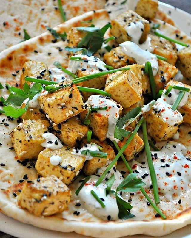 Tofu Wraps With Za'atar And Herbed Yogurt Sauce