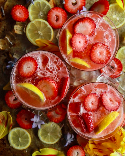 Strawberry Lemonade Vodka Cocktails