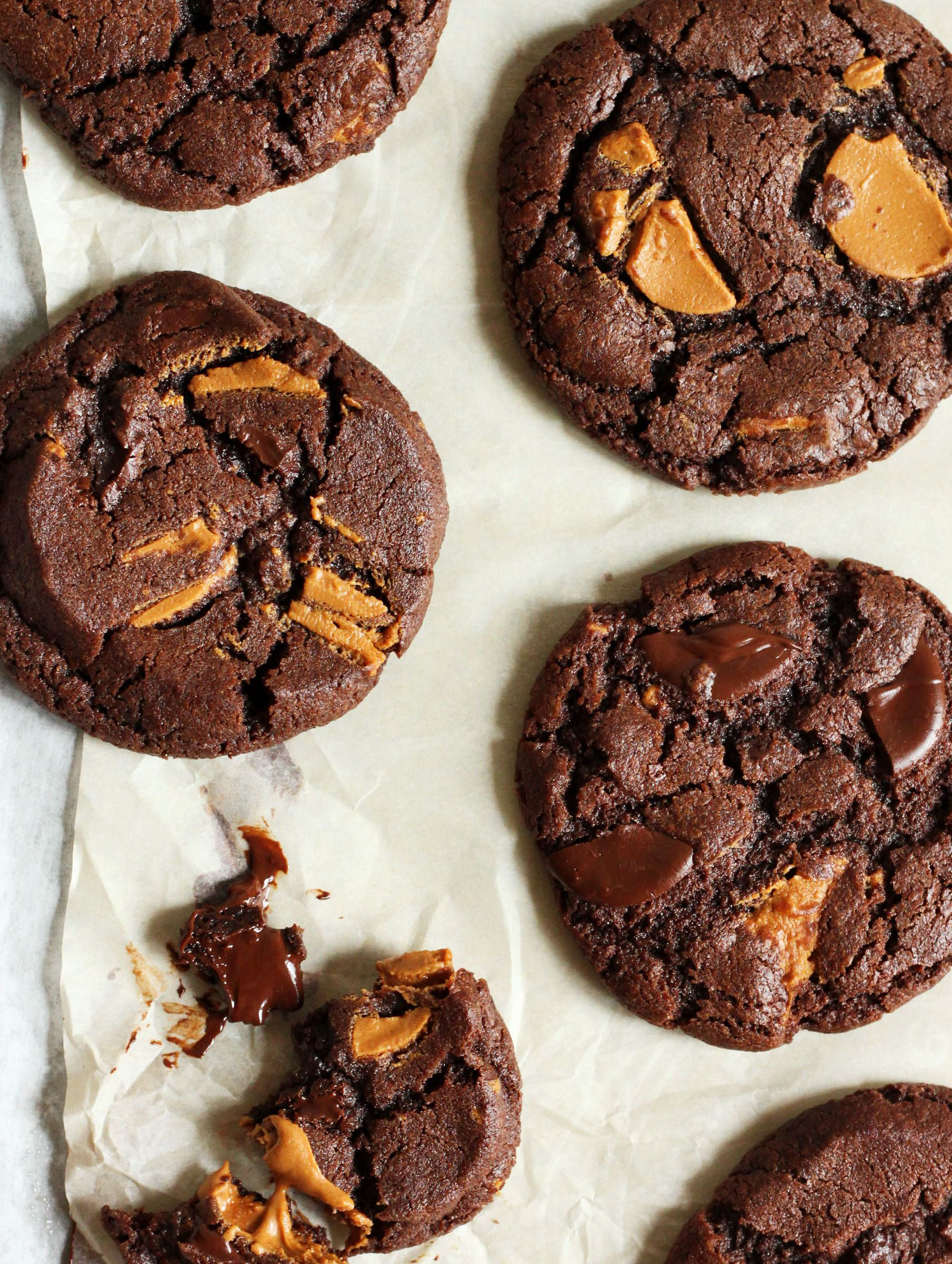 Chewy Peanut Butter Chunk Chocolate Cookies
