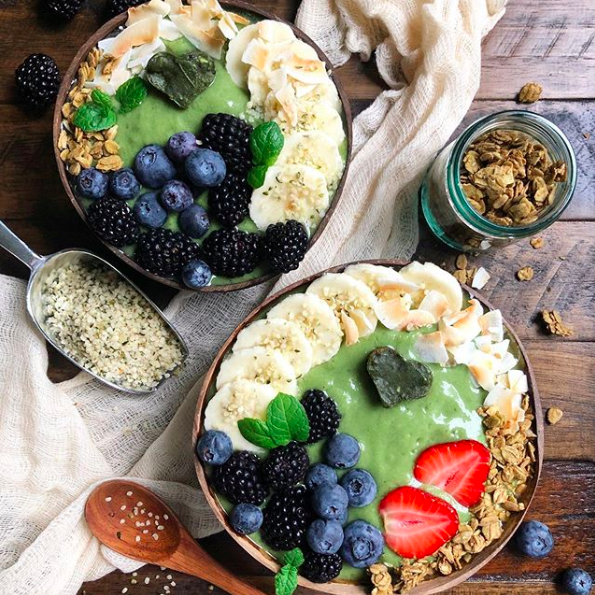 Pineapple, Apple and Cabbage Smoothie Bowls