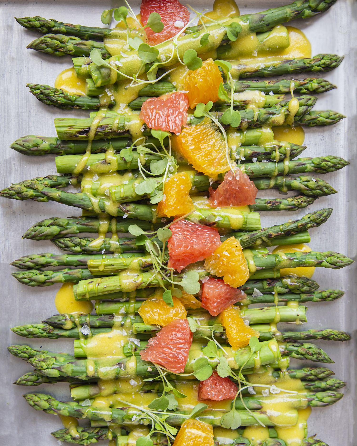Asparagus with Handsome Brook Farm Hollandaise