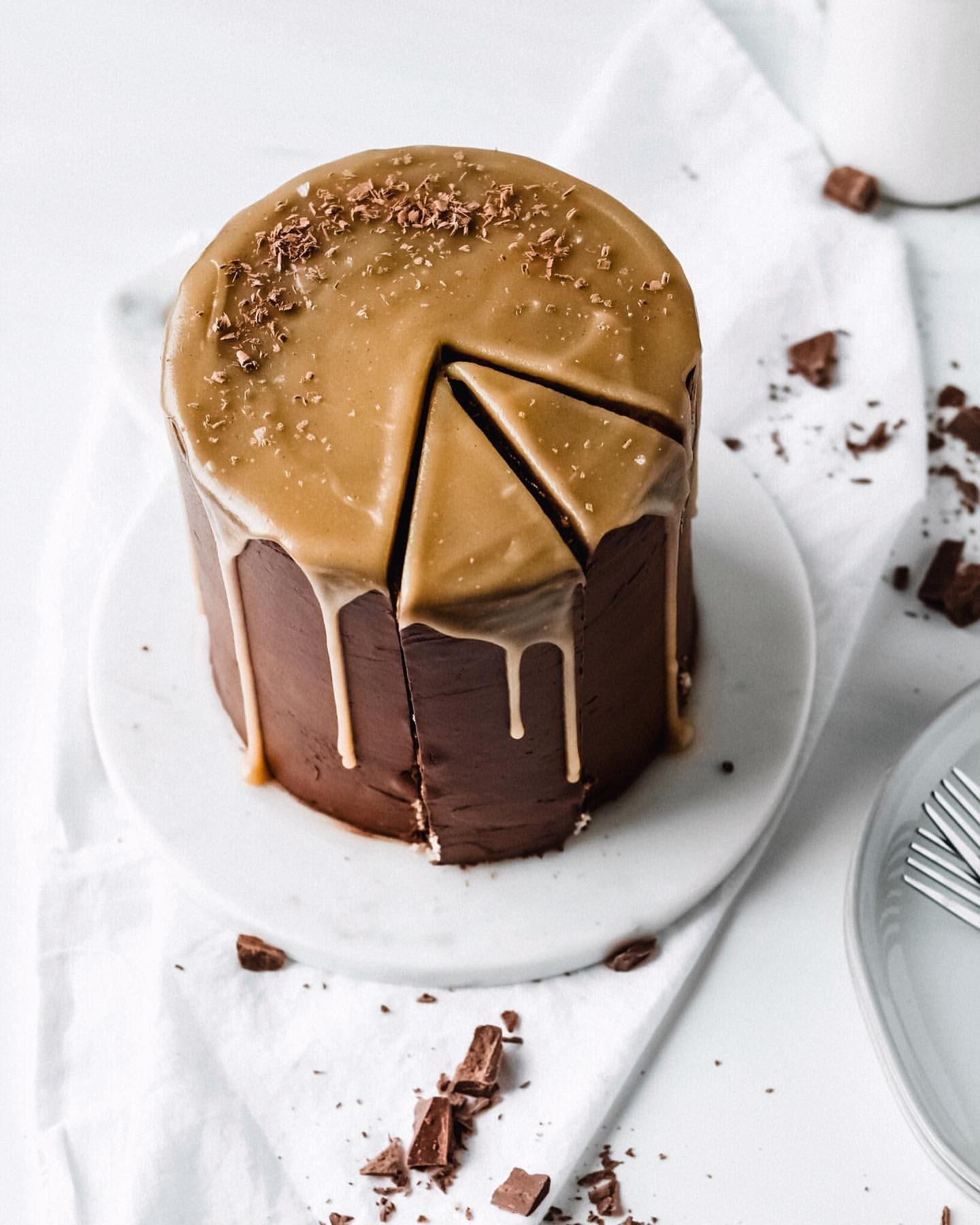 Butterscotch and Chocolate Chip Vanilla Cake
