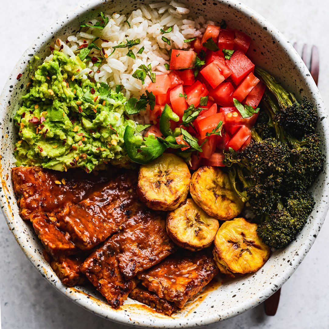 BBQ Tempeh, Broccoli, and Guacamole Bowls